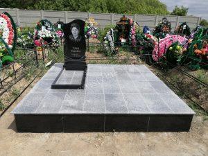 готовые работы гранитных площадок на кладбище